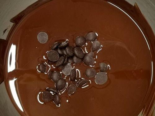 Chocolate derretido y aun por derretir