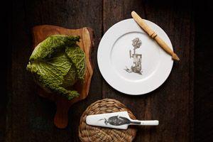 Plato y pala ilustrados para regalar a un cocinero