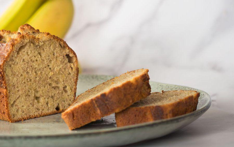 cabecera de la receta de pan de plátano (banana bread)